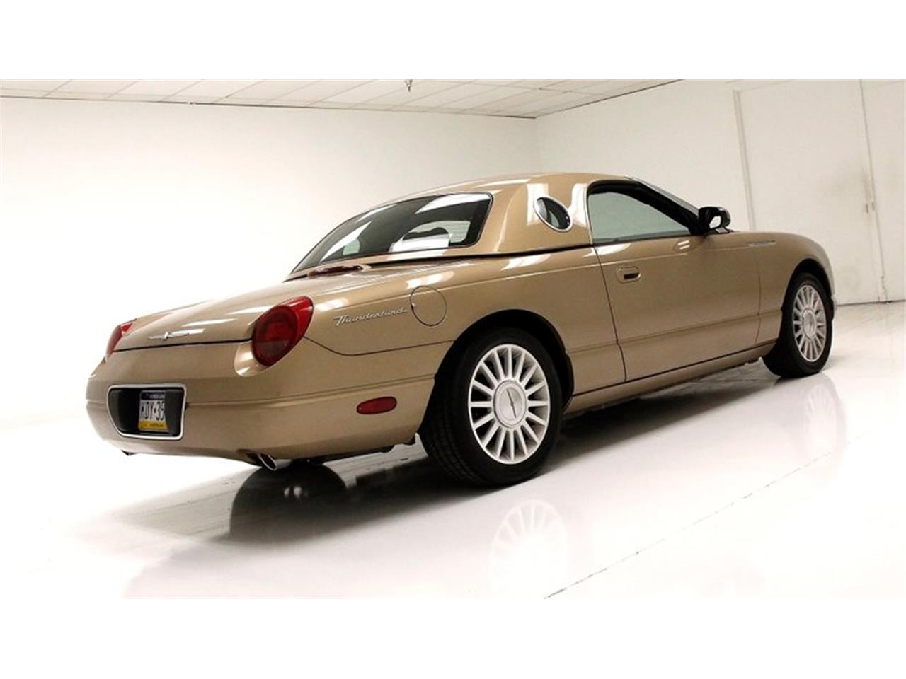 Large Picture of '05 Thunderbird located in Morgantown Pennsylvania - $16,500.00 - Q6CY