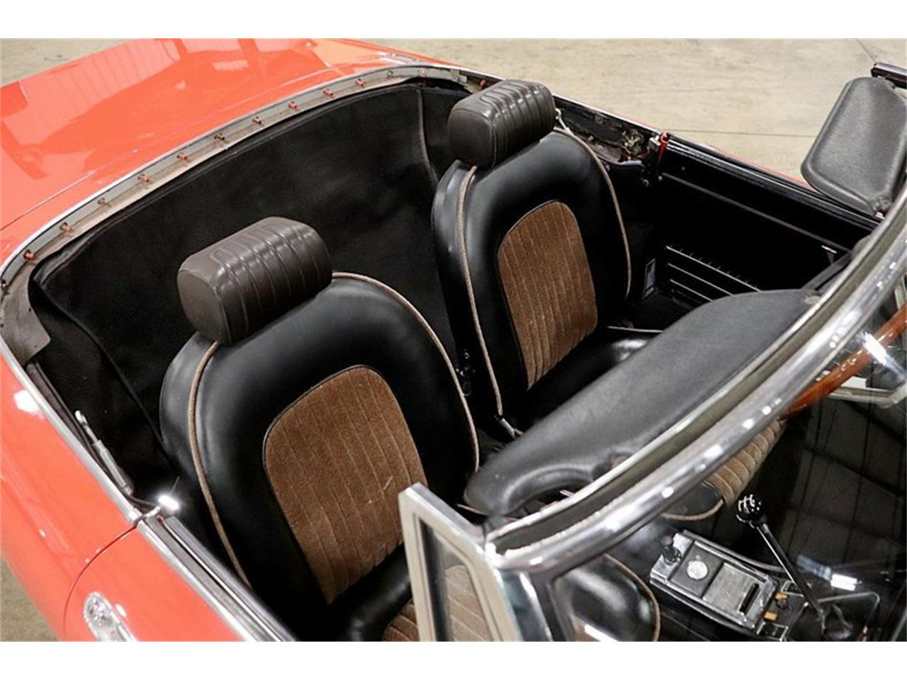 Large Picture of '74 Alfa Romeo Spider located in Kentwood Michigan - $14,900.00 - Q6DB