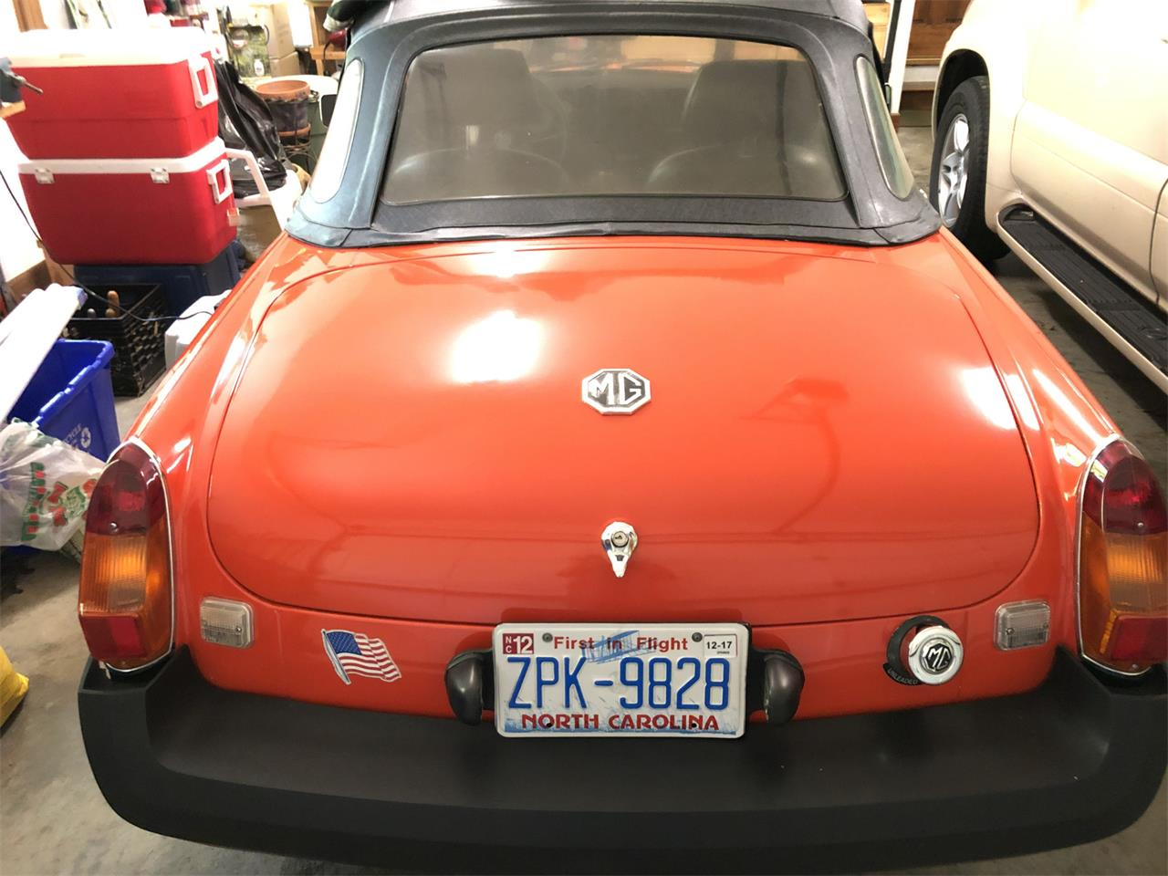 Large Picture of '79 MG MGB located in Chapel Hill North Carolina - Q6FU