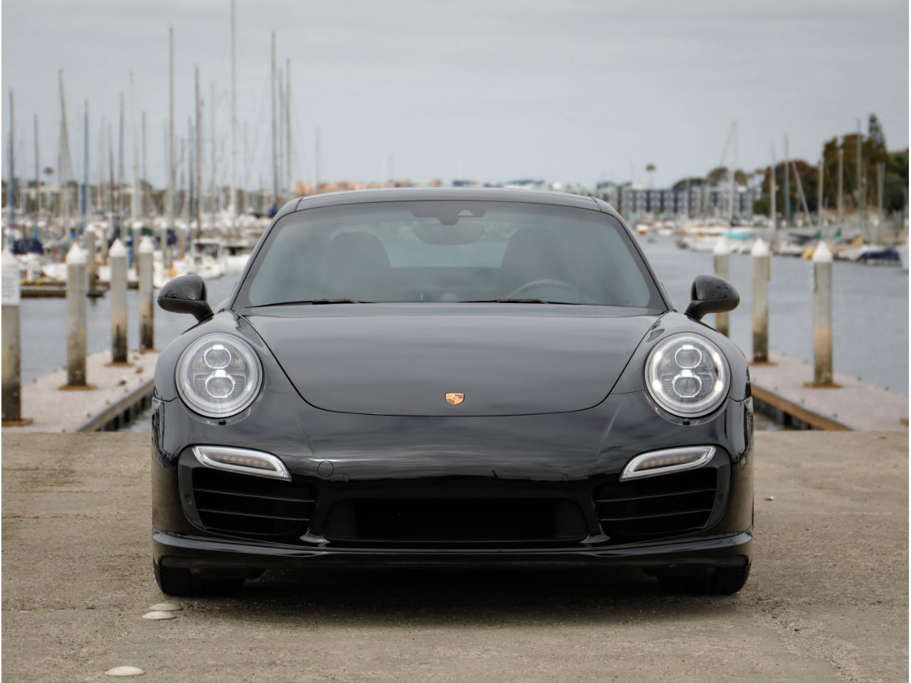 Large Picture of '14 Porsche 911 located in Marina Del Rey California - Q6GN