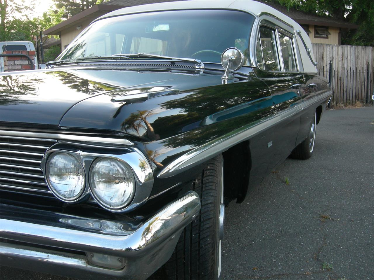 Large Picture of '62 Hearse - Q5H3