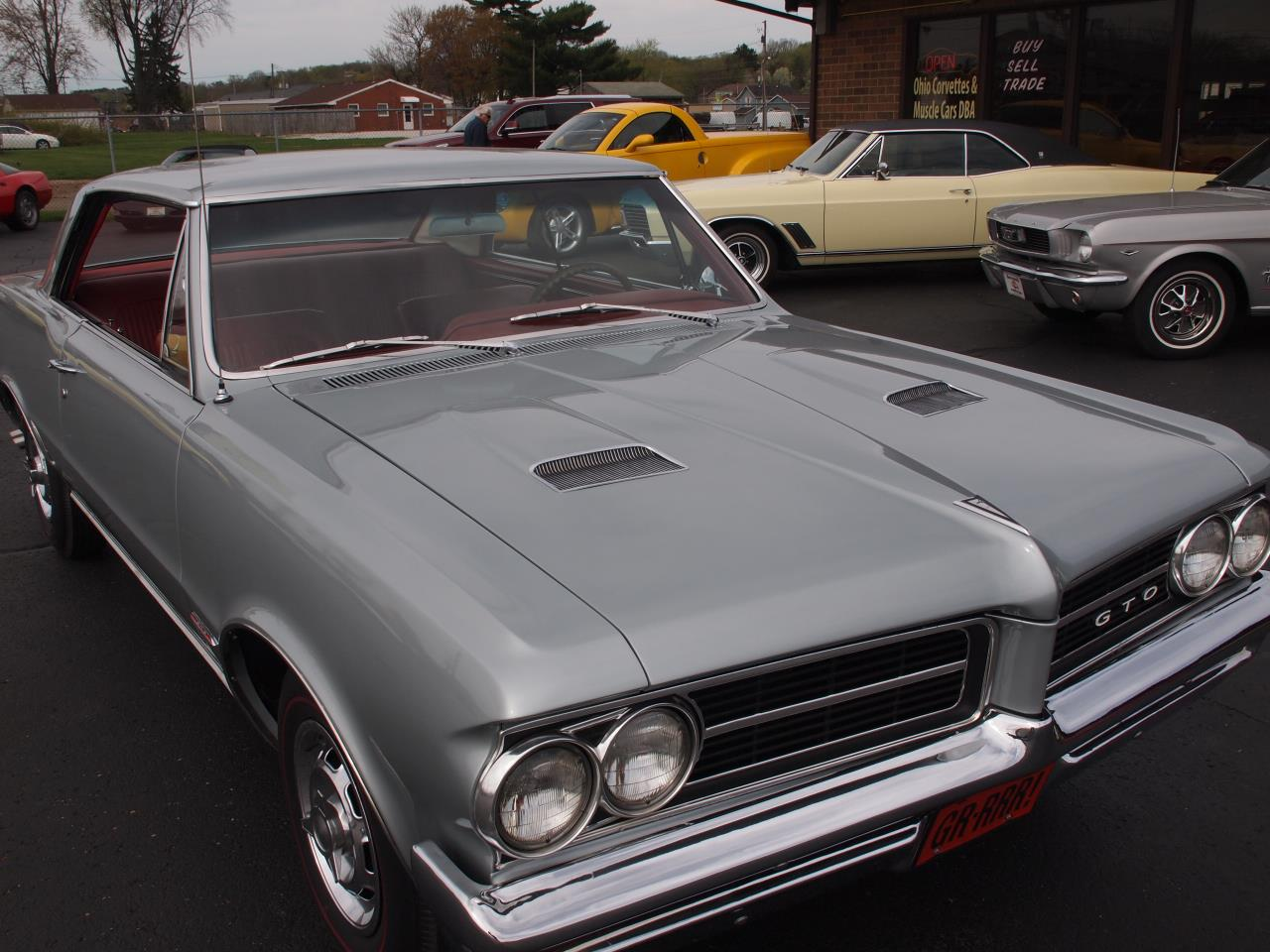Large Picture of Classic 1964 Pontiac LeMans Offered by Ohio Corvettes and Muscle Cars - Q6MP