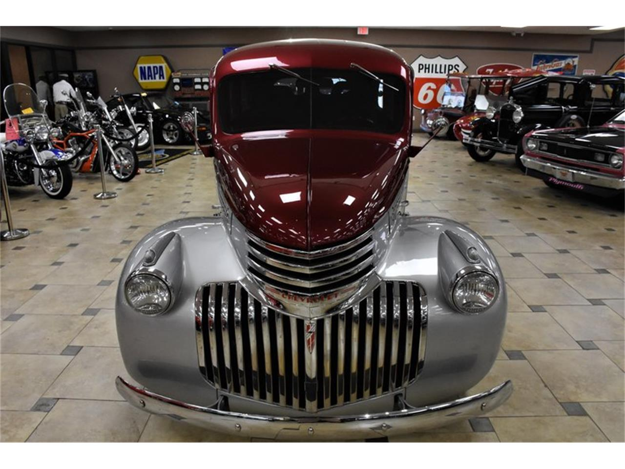 Large Picture of Classic 1946 Suburban Auction Vehicle Offered by Ideal Classic Cars - Q6O2