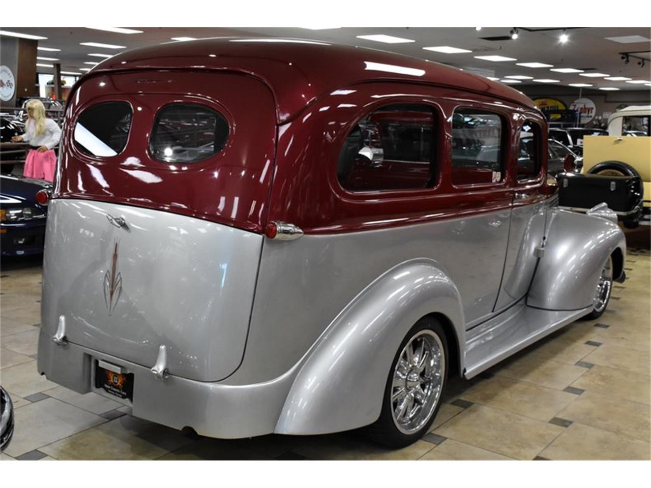 Large Picture of Classic 1946 Suburban located in Florida Auction Vehicle Offered by Ideal Classic Cars - Q6O2