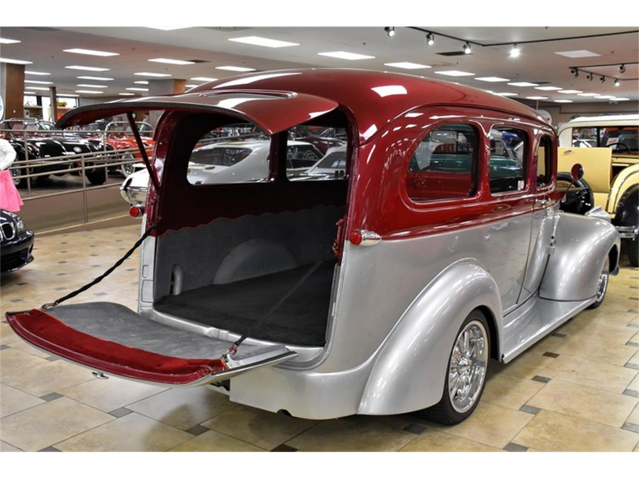Large Picture of Classic '46 Chevrolet Suburban - Q6O2