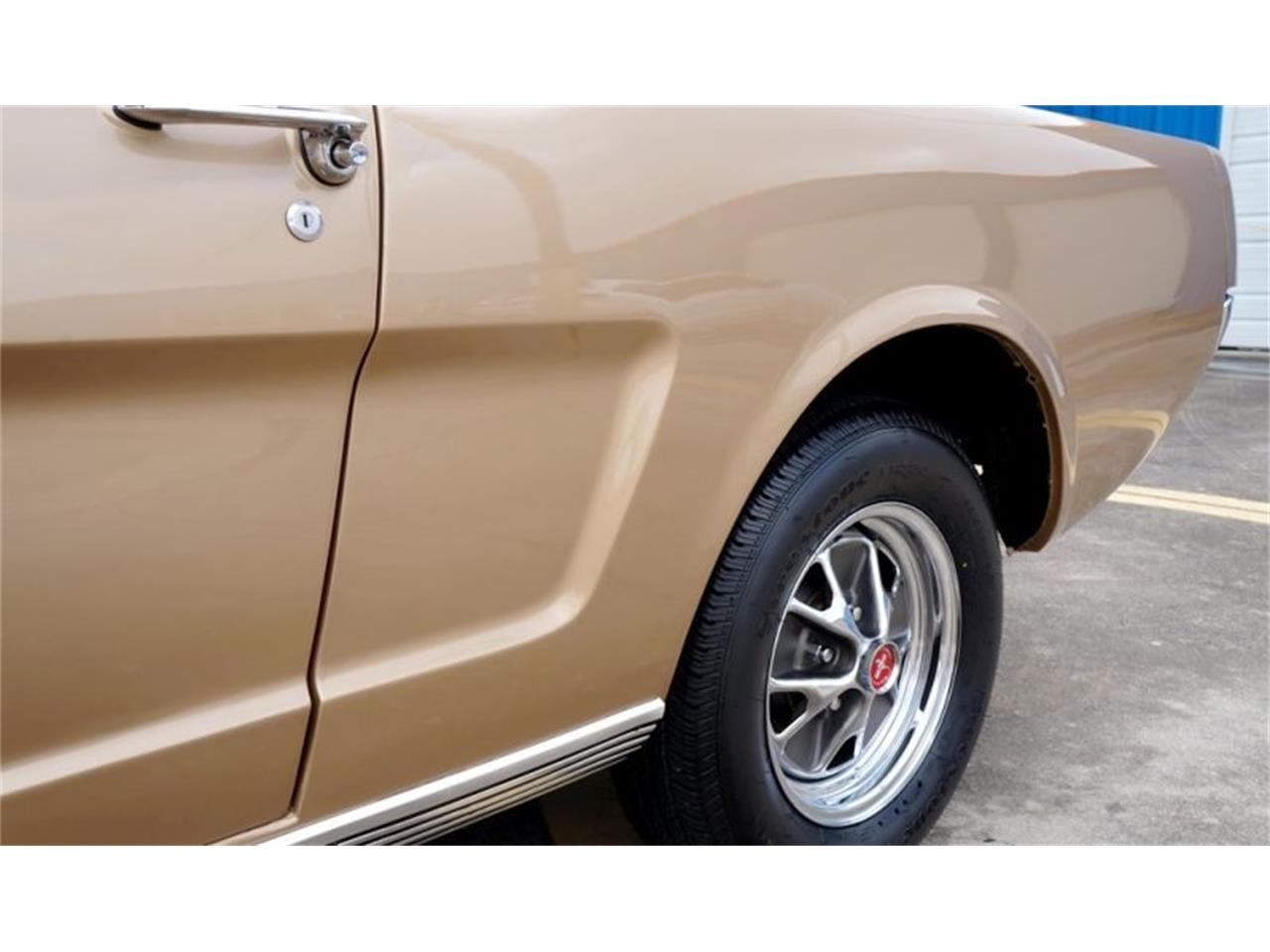 Large Picture of Classic 1965 Mustang - Q6QR