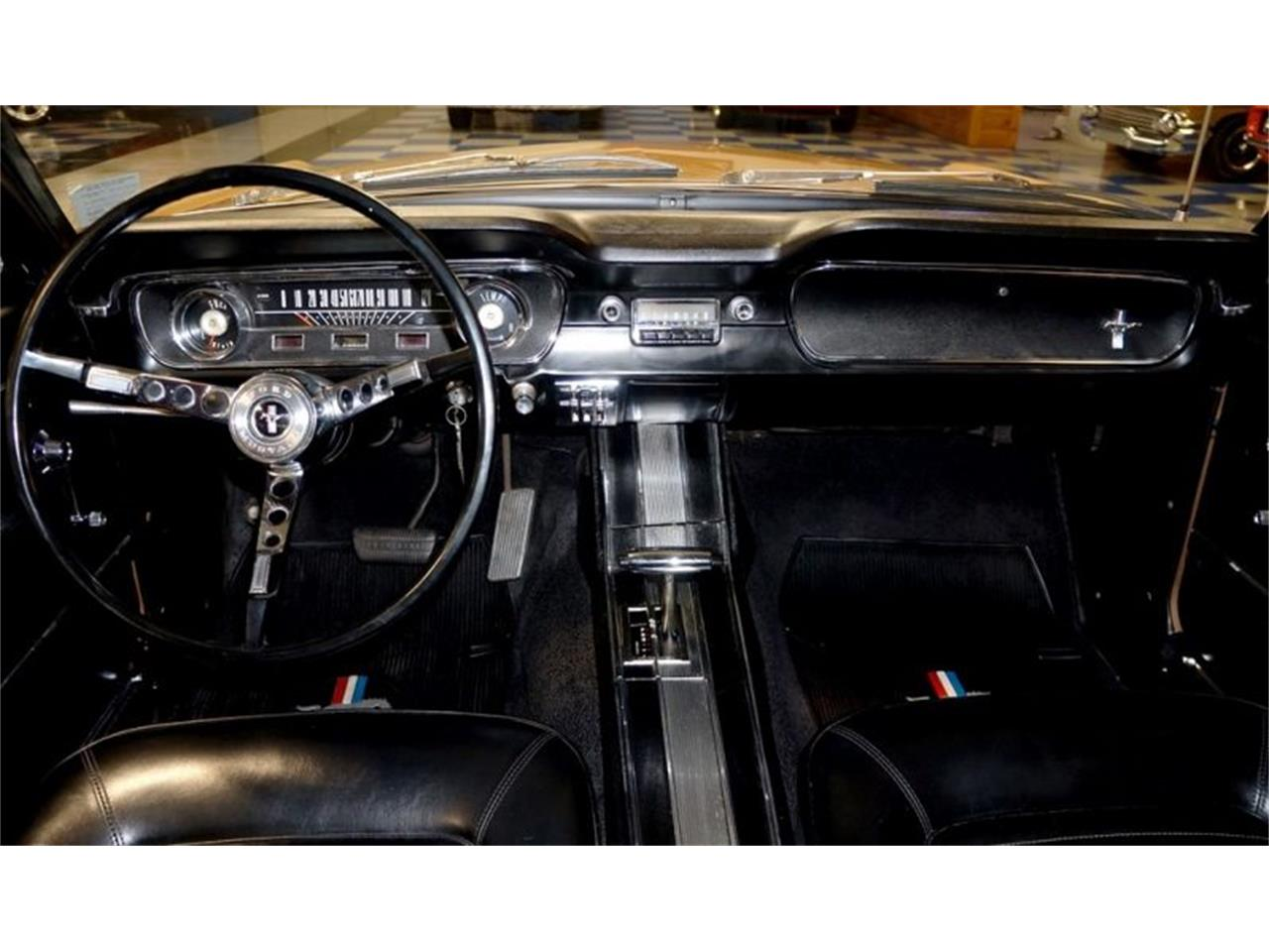 Large Picture of '65 Ford Mustang located in Indianapolis Indiana - $37,500.00 - Q6QR