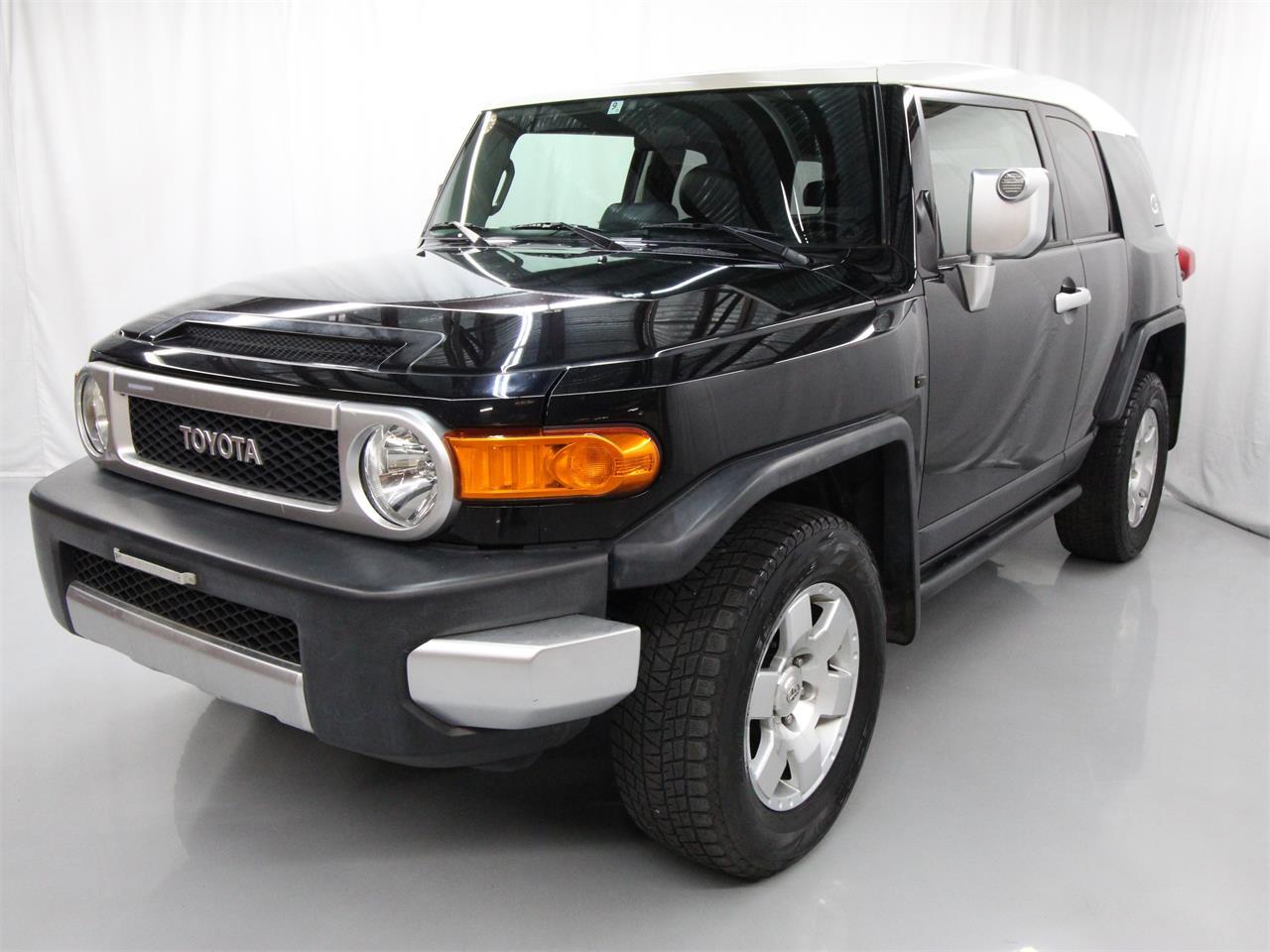 Large Picture of '07 Toyota FJ Cruiser located in Christiansburg Virginia - $21,780.00 - Q6UM