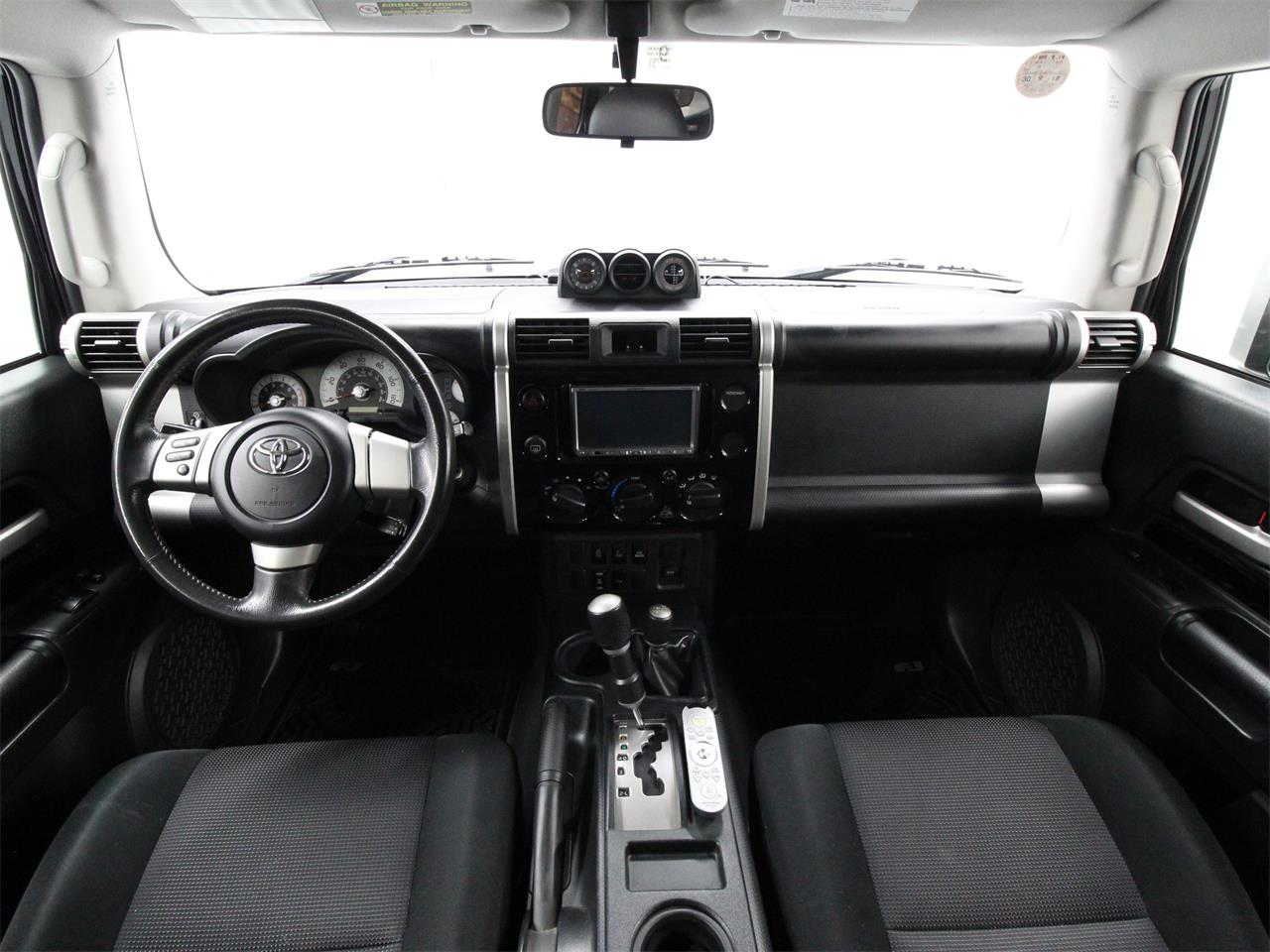 Large Picture of '07 Toyota FJ Cruiser located in Virginia - $21,780.00 Offered by Duncan Imports & Classic Cars - Q6UM