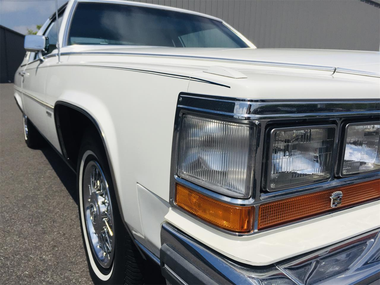 Large Picture of '81 Fleetwood Brougham - Q6YU