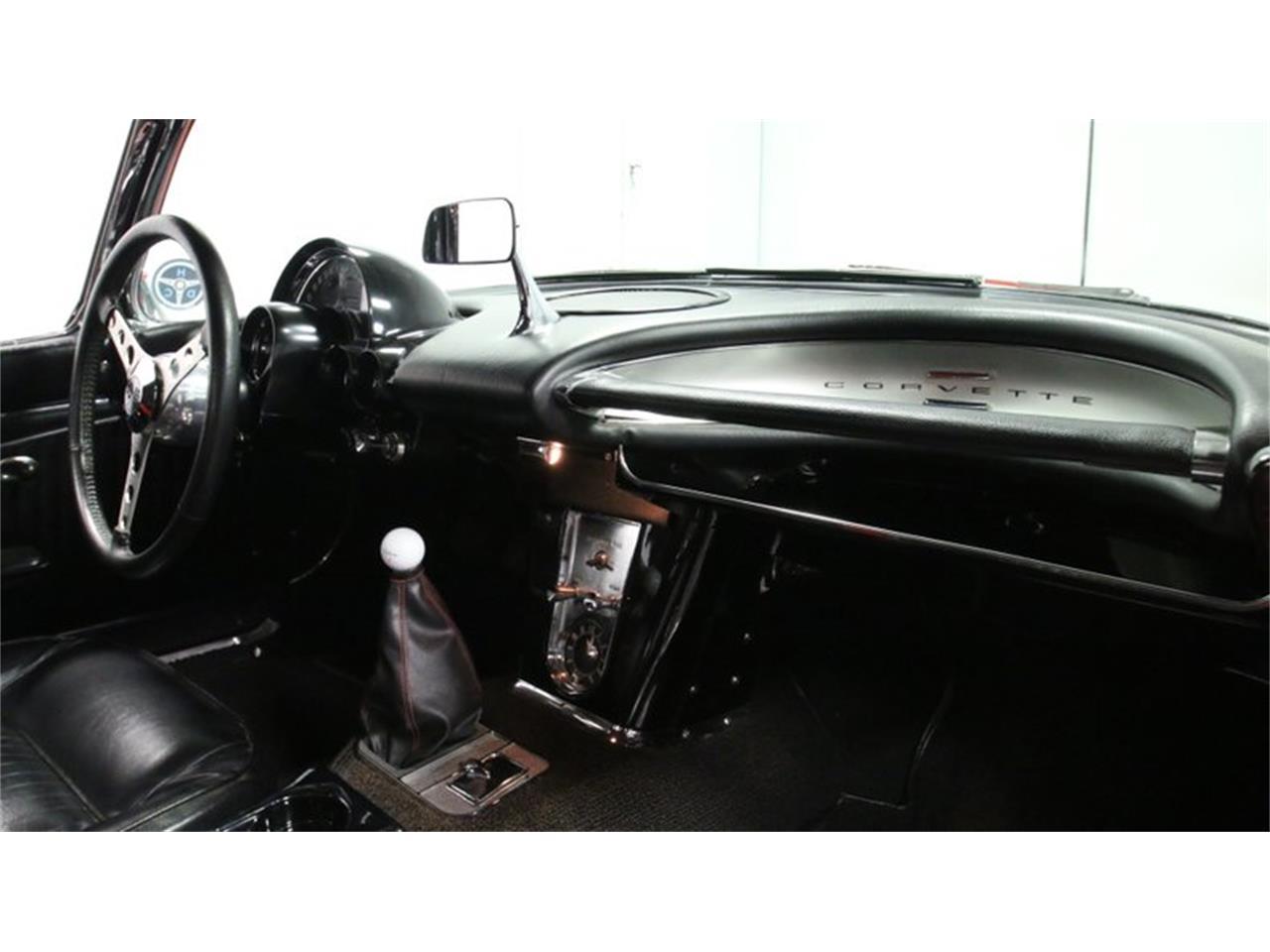 Large Picture of Classic 1962 Corvette located in Lithia Springs Georgia - Q72N