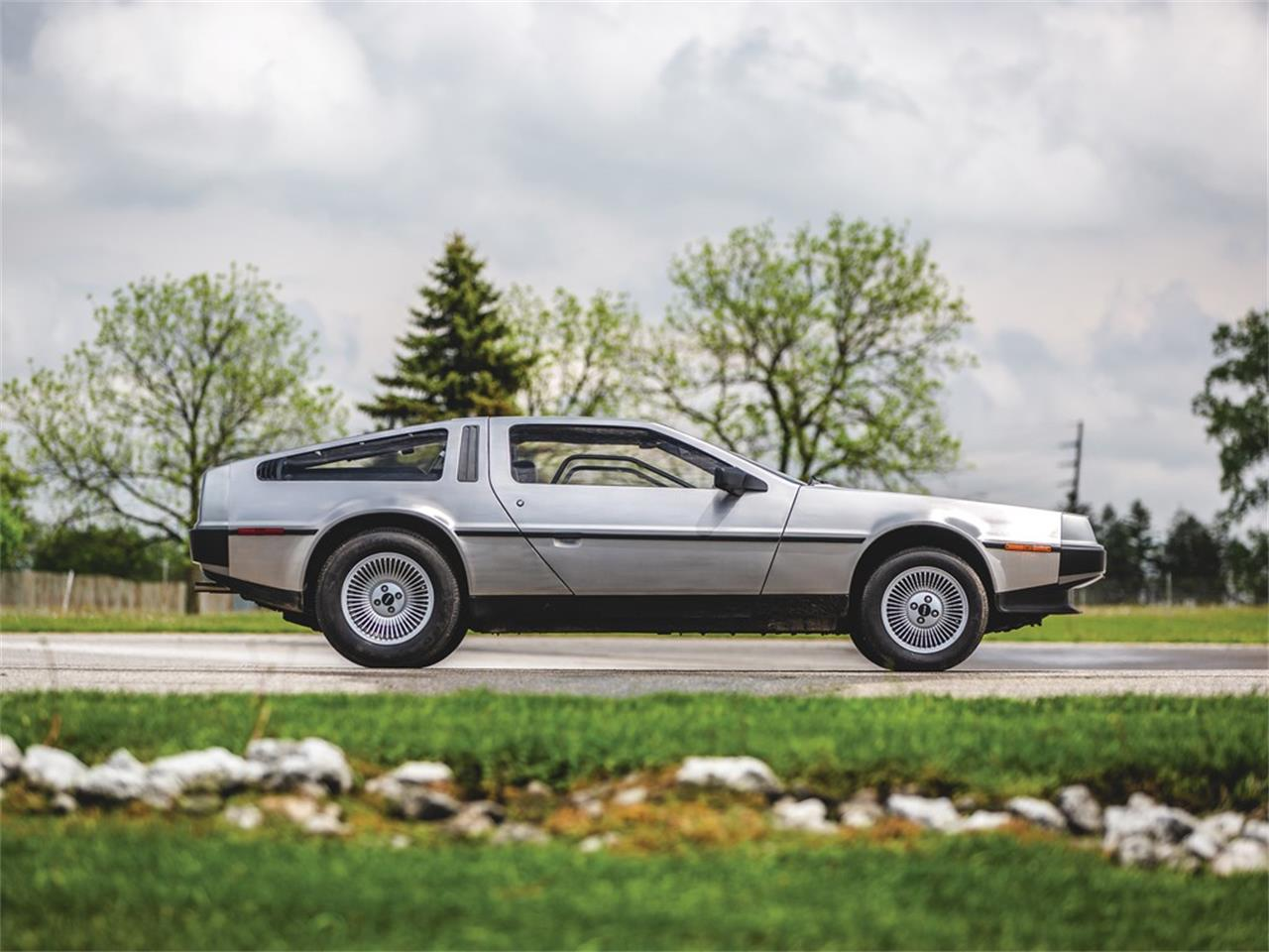 Large Picture of 1983 DeLorean DMC-12 Offered by RM Sotheby's 787999 (remove ID# on next use) - Q5JH
