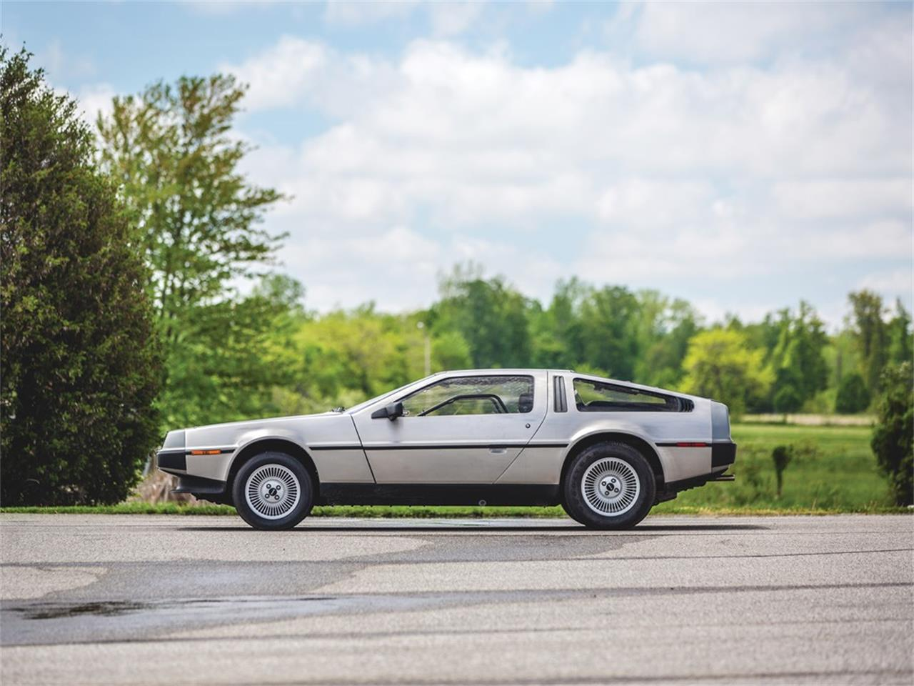 Large Picture of 1983 DeLorean DMC-12 located in Auburn Indiana - Q5JH