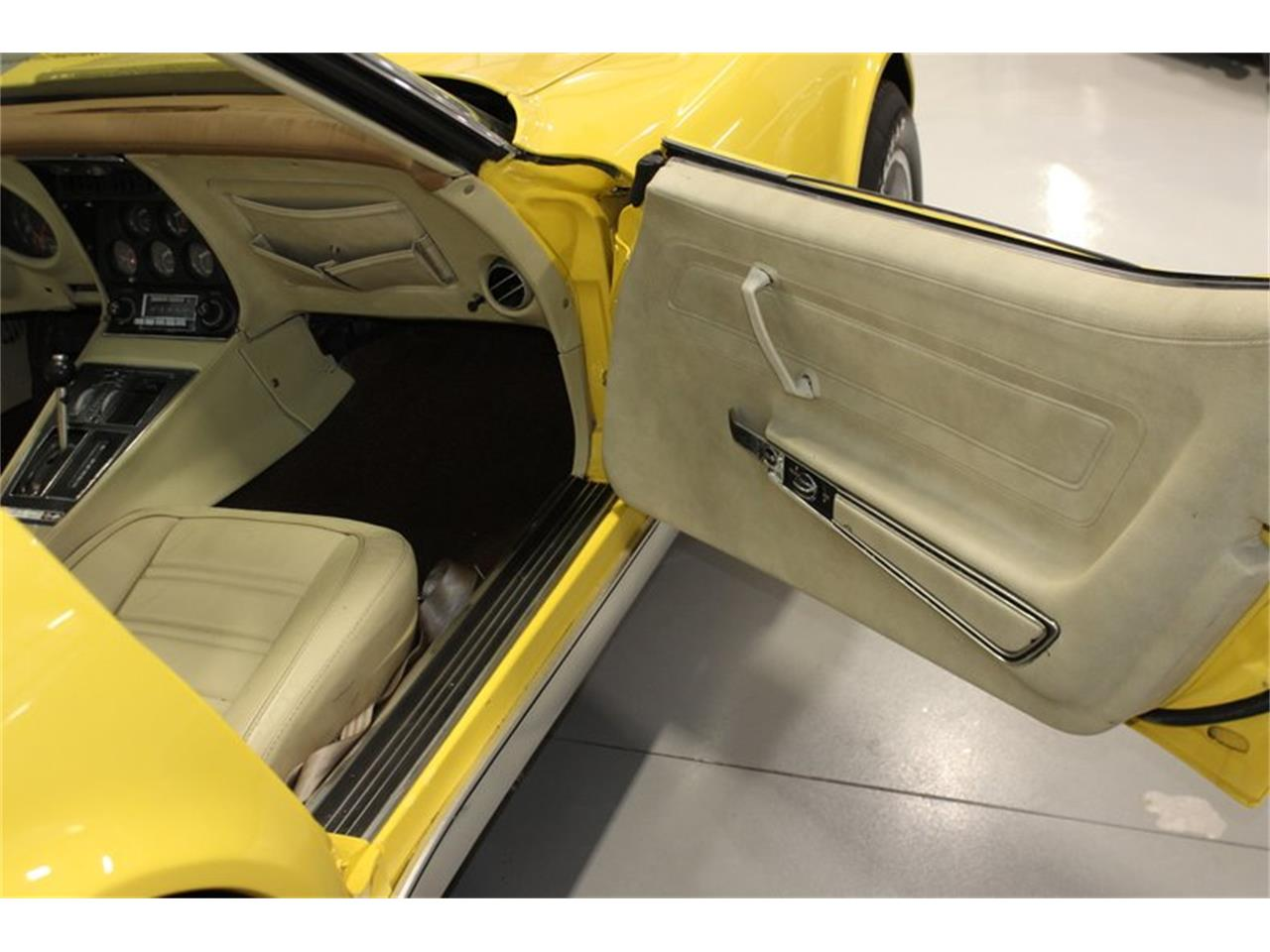 Large Picture of '74 Corvette - $20,997.00 Offered by Skyway Classics - Q5JI
