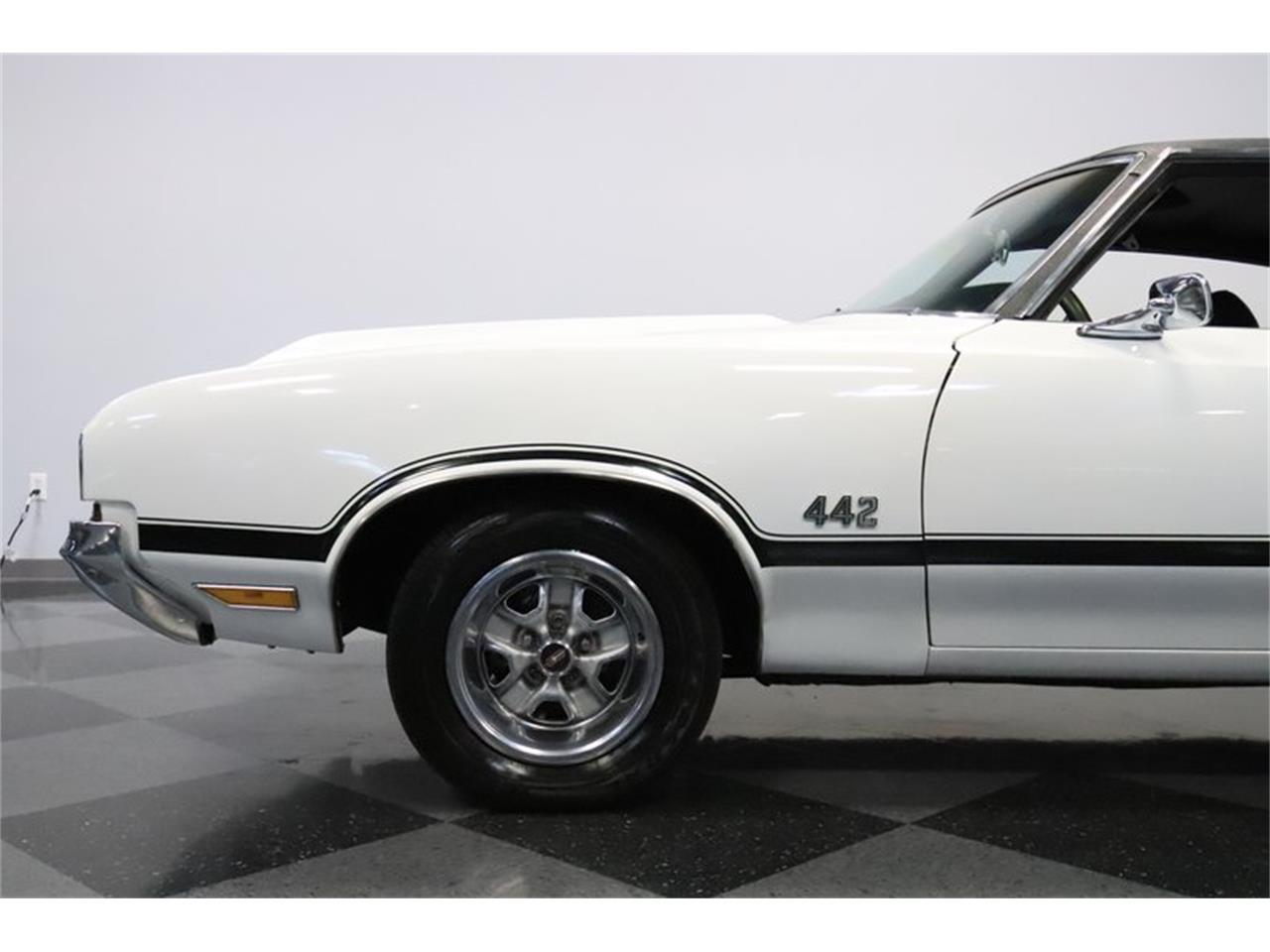 Large Picture of '70 Oldsmobile 442 Offered by Streetside Classics - Phoenix - Q7BT