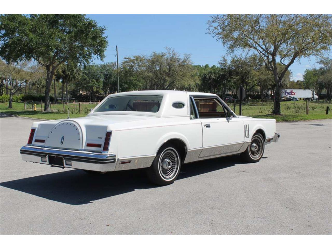 Large Picture of '80 Continental Mark VI - Q7KK