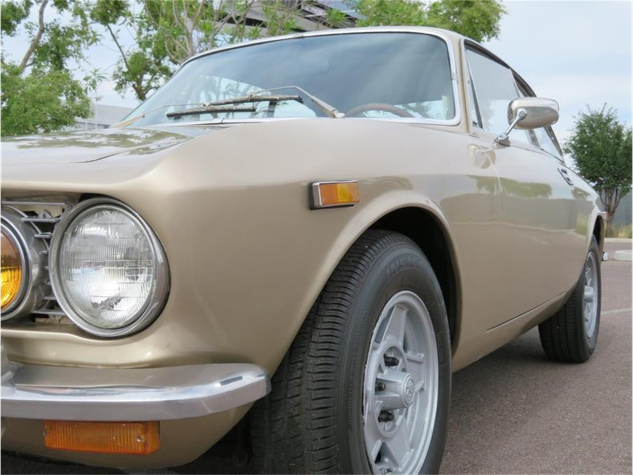 Large Picture of '72 2000 GT Veloce - Q5KY