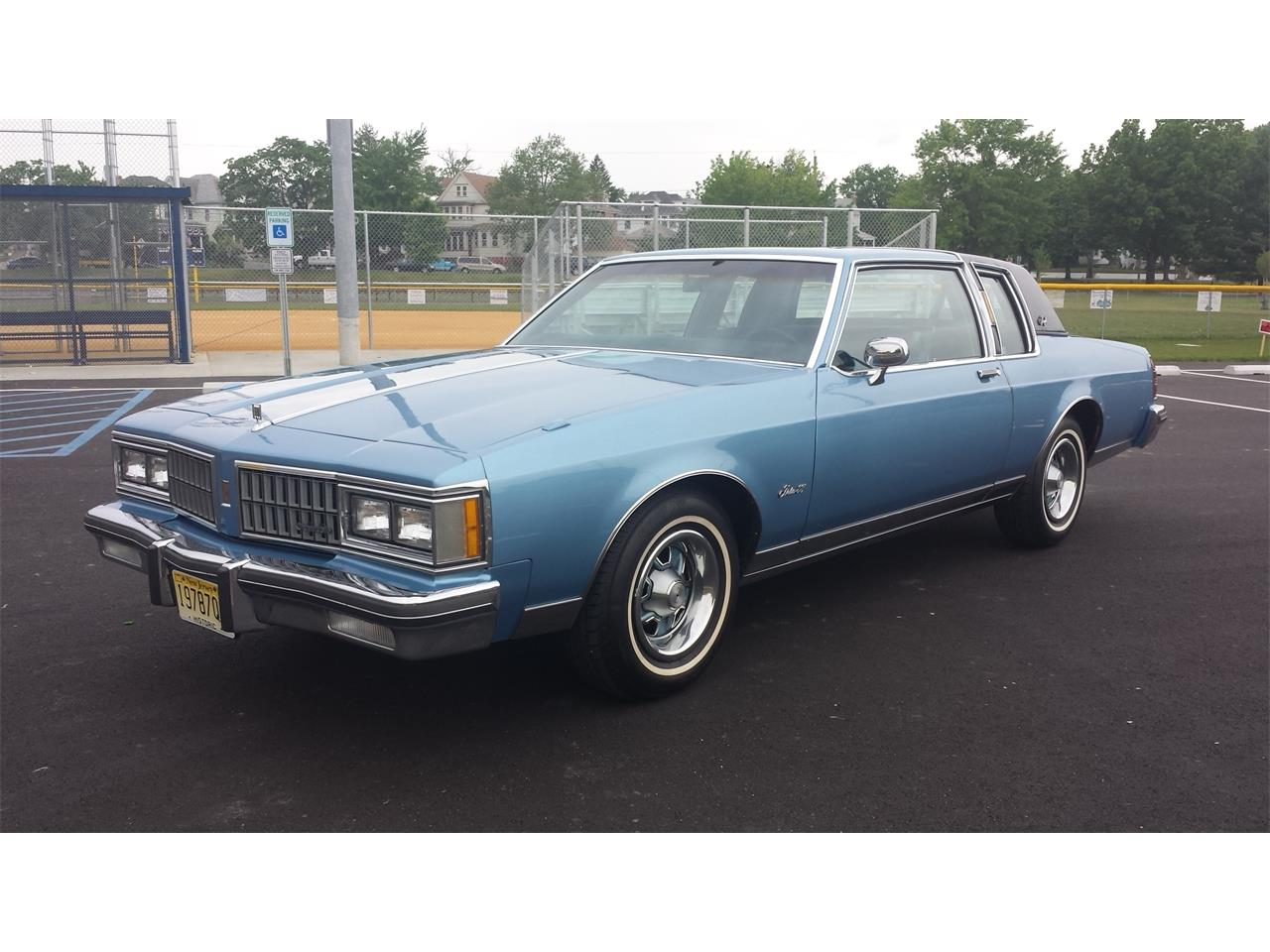 Large Picture of '81 Oldsmobile Delta 88 Royale Offered by a Private Seller - Q7LZ