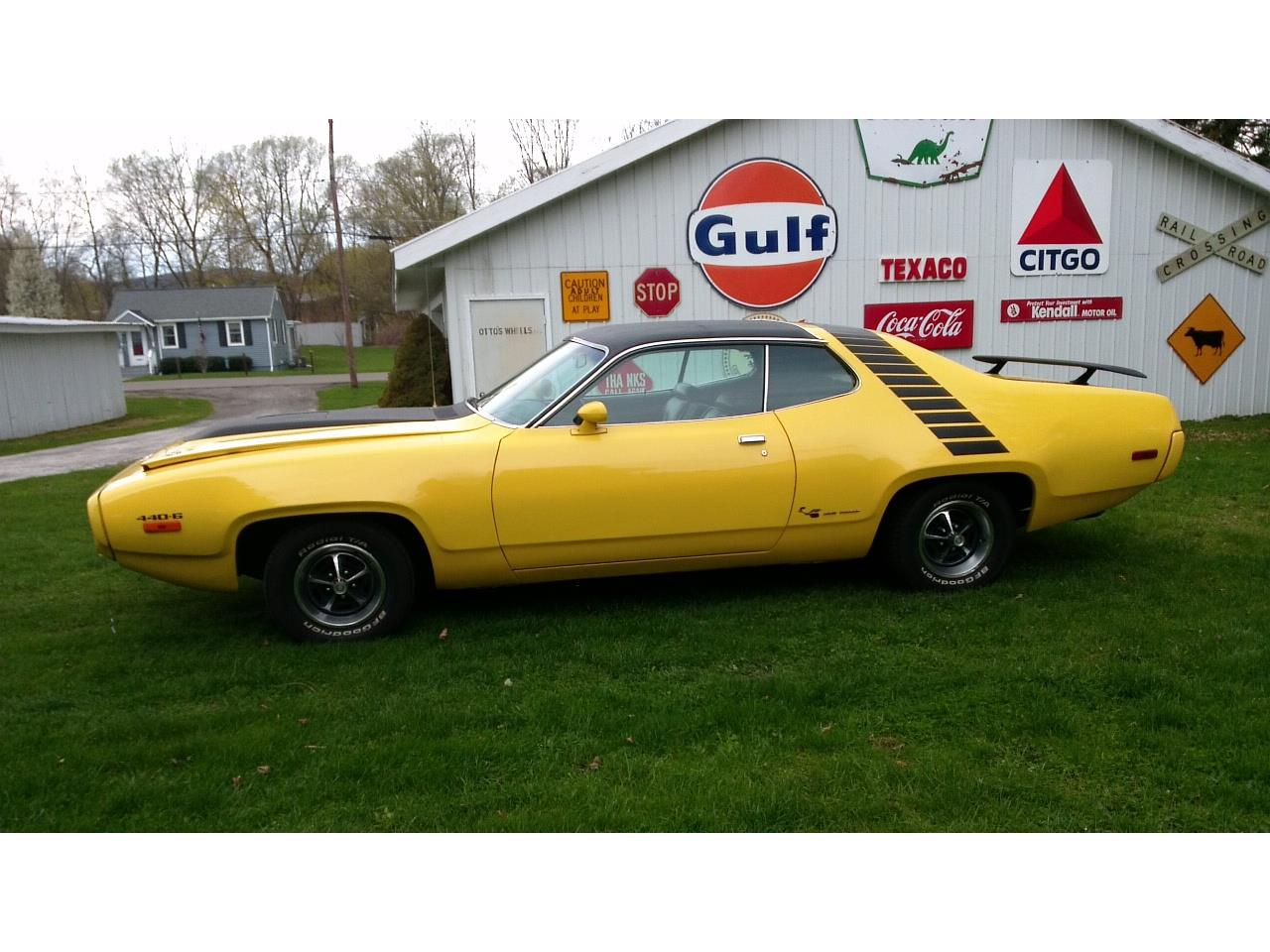Large Picture of '72 Road Runner - Q7MB