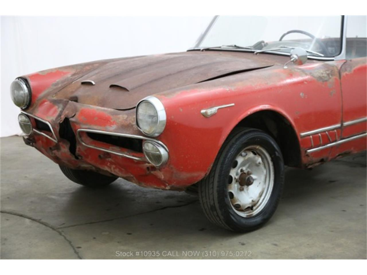 Large Picture of '60 Alfa Romeo 2000 located in Beverly Hills California - $24,750.00 Offered by Beverly Hills Car Club - Q7PC