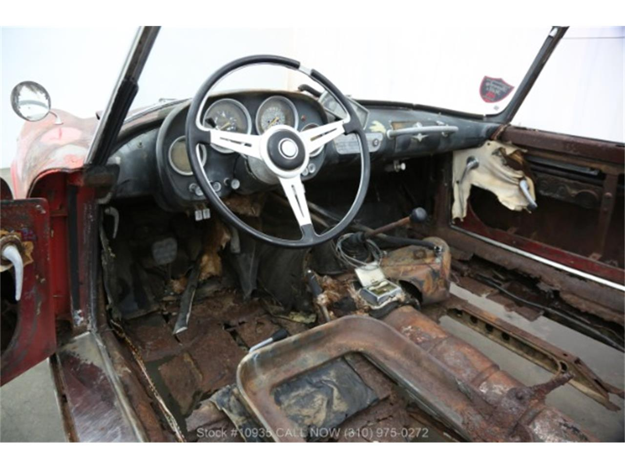 Large Picture of Classic 1960 Alfa Romeo 2000 located in California - $24,750.00 Offered by Beverly Hills Car Club - Q7PC