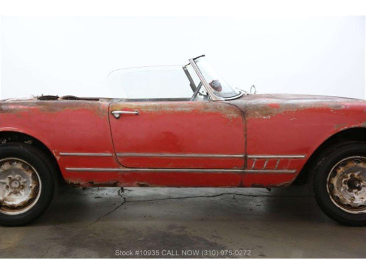 Large Picture of Classic '60 Alfa Romeo 2000 Offered by Beverly Hills Car Club - Q7PC