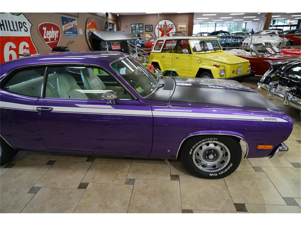 Large Picture of '72 Duster - Q7UH