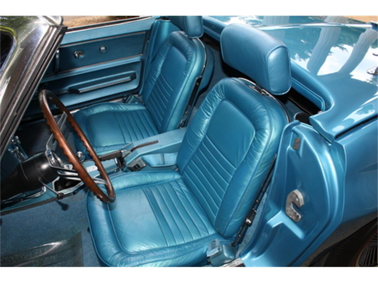 Large Picture of Classic '67 Corvette - Q5DT
