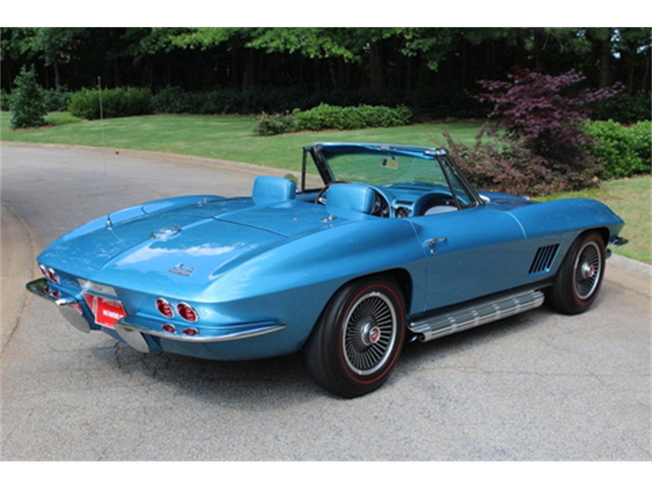 Large Picture of Classic 1967 Corvette - Q5DT