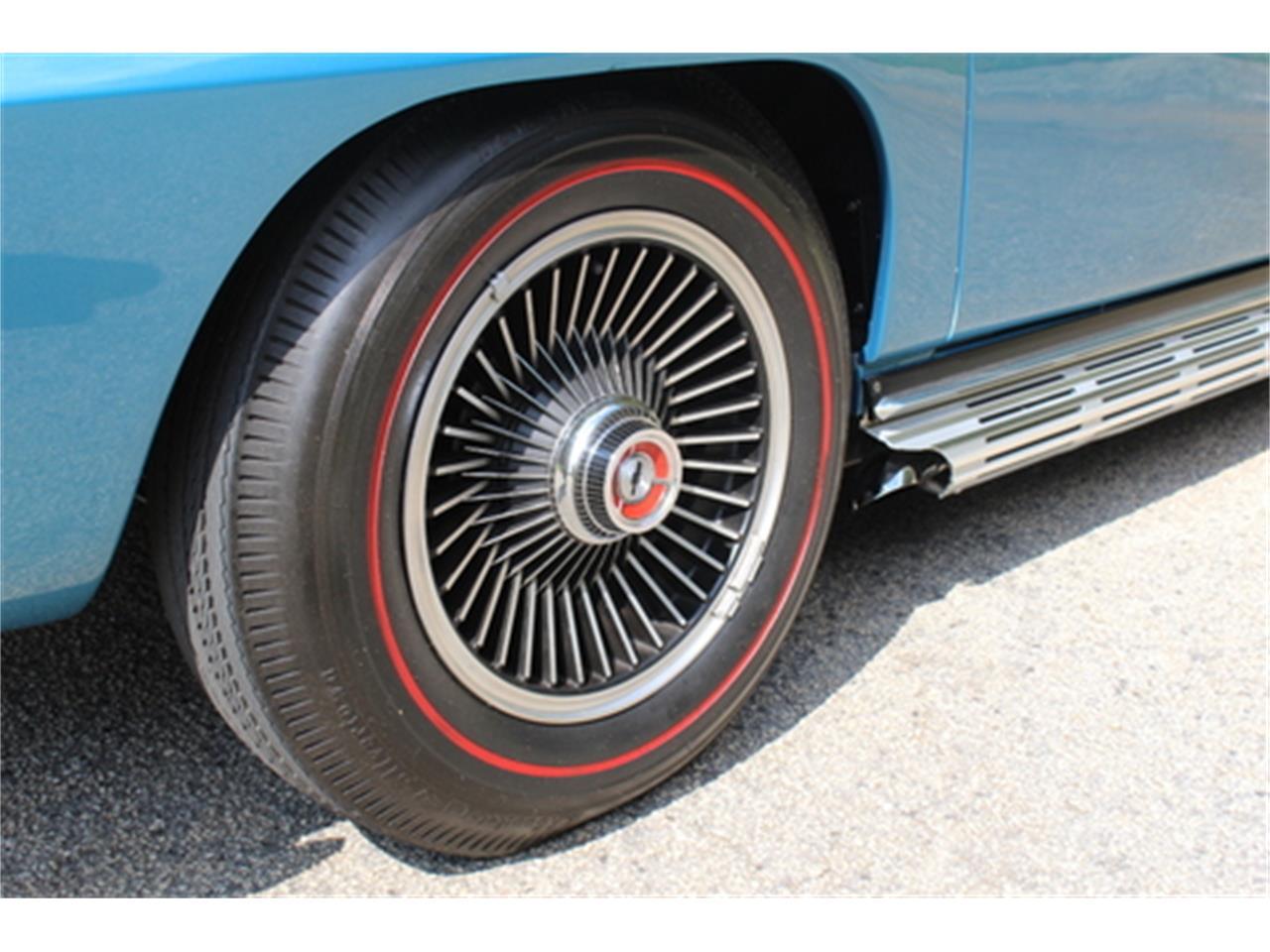 Large Picture of 1967 Corvette - Q5DT