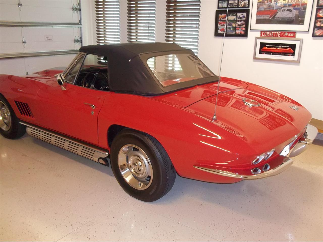 Large Picture of '67 Corvette - Q80H