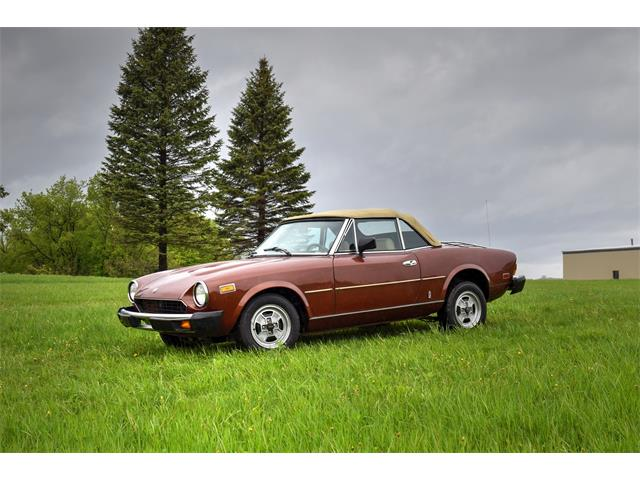 Picture of '81 Fiat Spider located in Minnesota - $5,500.00 Offered by  - Q5DW