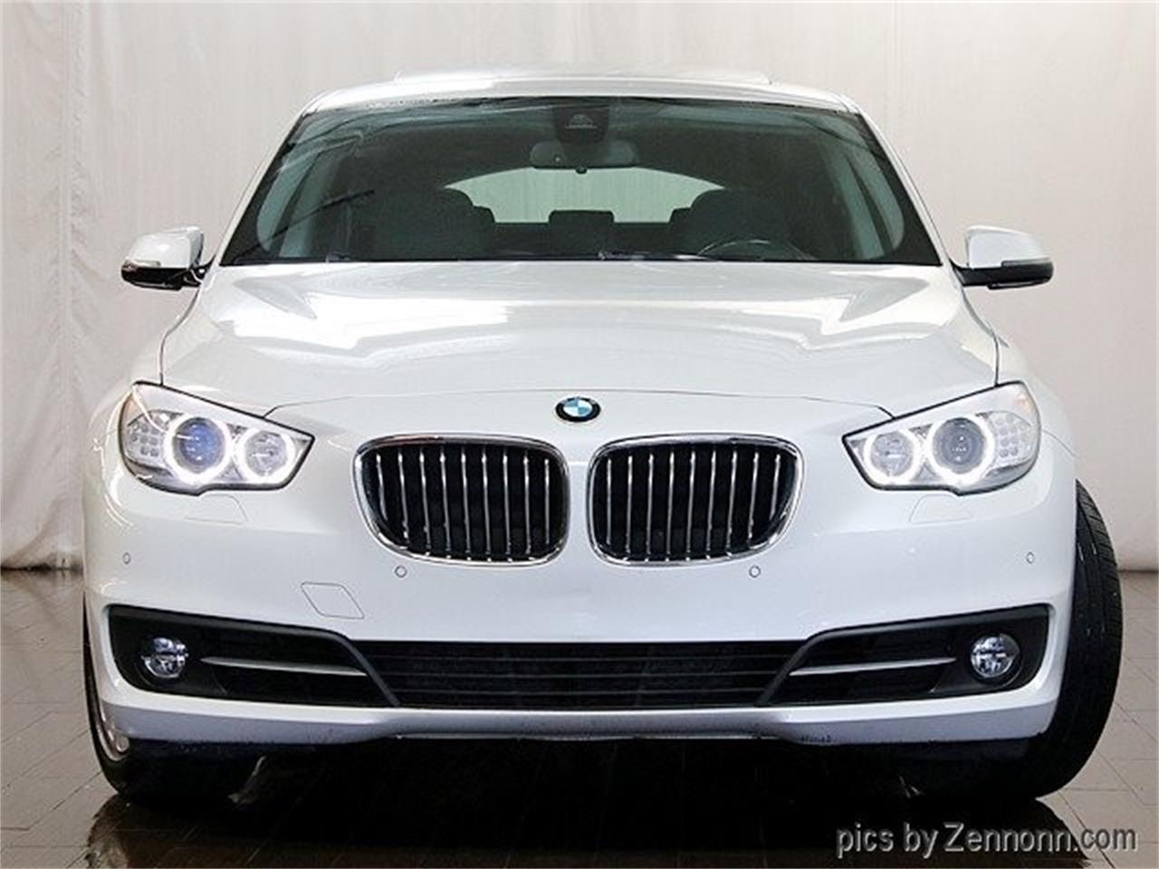 Large Picture of 2015 BMW 5 Series located in Addison Illinois Offered by Auto Gallery Chicago - Q857