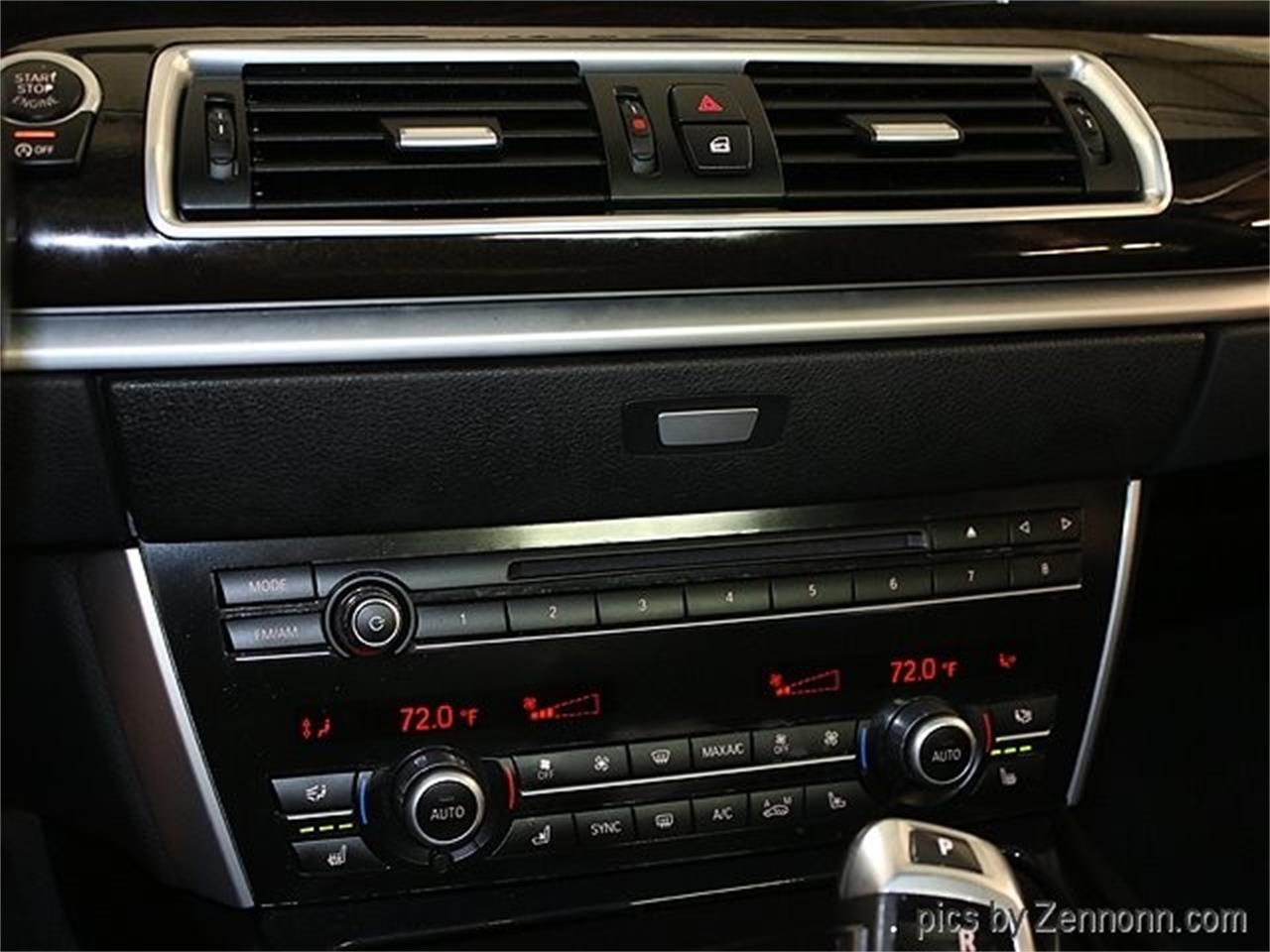 Large Picture of '15 BMW 5 Series located in Illinois - Q857