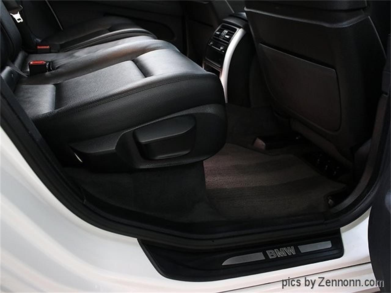 Large Picture of 2015 BMW 5 Series located in Illinois Offered by Auto Gallery Chicago - Q857