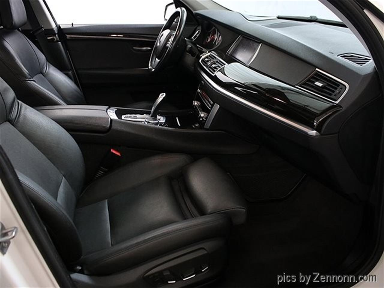 Large Picture of '15 BMW 5 Series located in Addison Illinois - $19,990.00 Offered by Auto Gallery Chicago - Q857