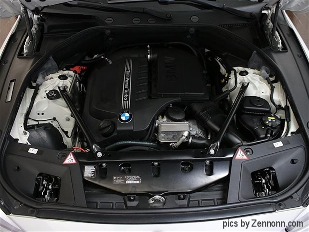 Large Picture of '15 BMW 5 Series Offered by Auto Gallery Chicago - Q857
