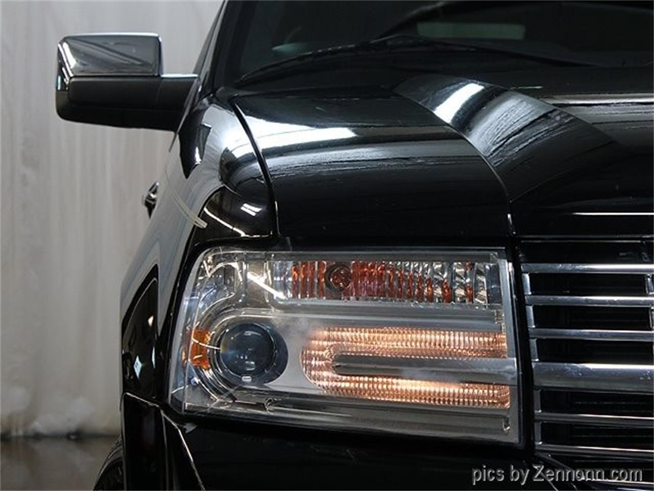 Large Picture of 2012 Lincoln Navigator located in Addison Illinois - Q860