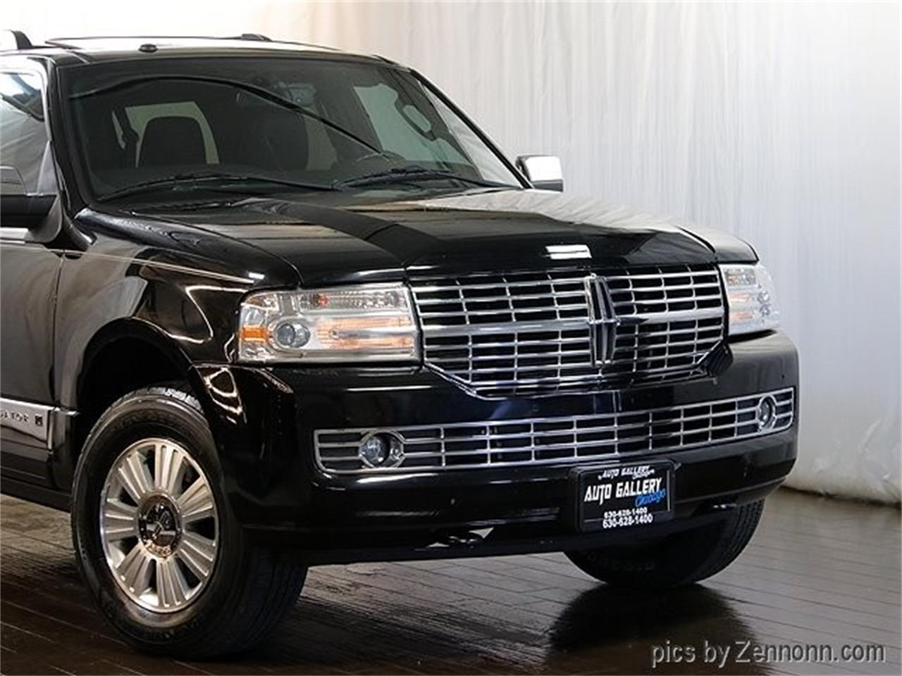 Large Picture of '12 Lincoln Navigator located in Addison Illinois Offered by Auto Gallery Chicago - Q860
