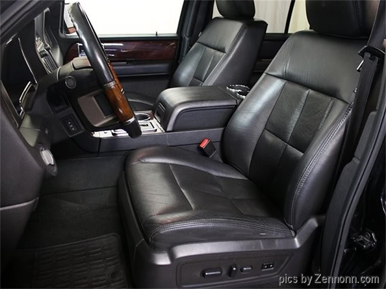 Large Picture of '12 Lincoln Navigator located in Addison Illinois - Q860