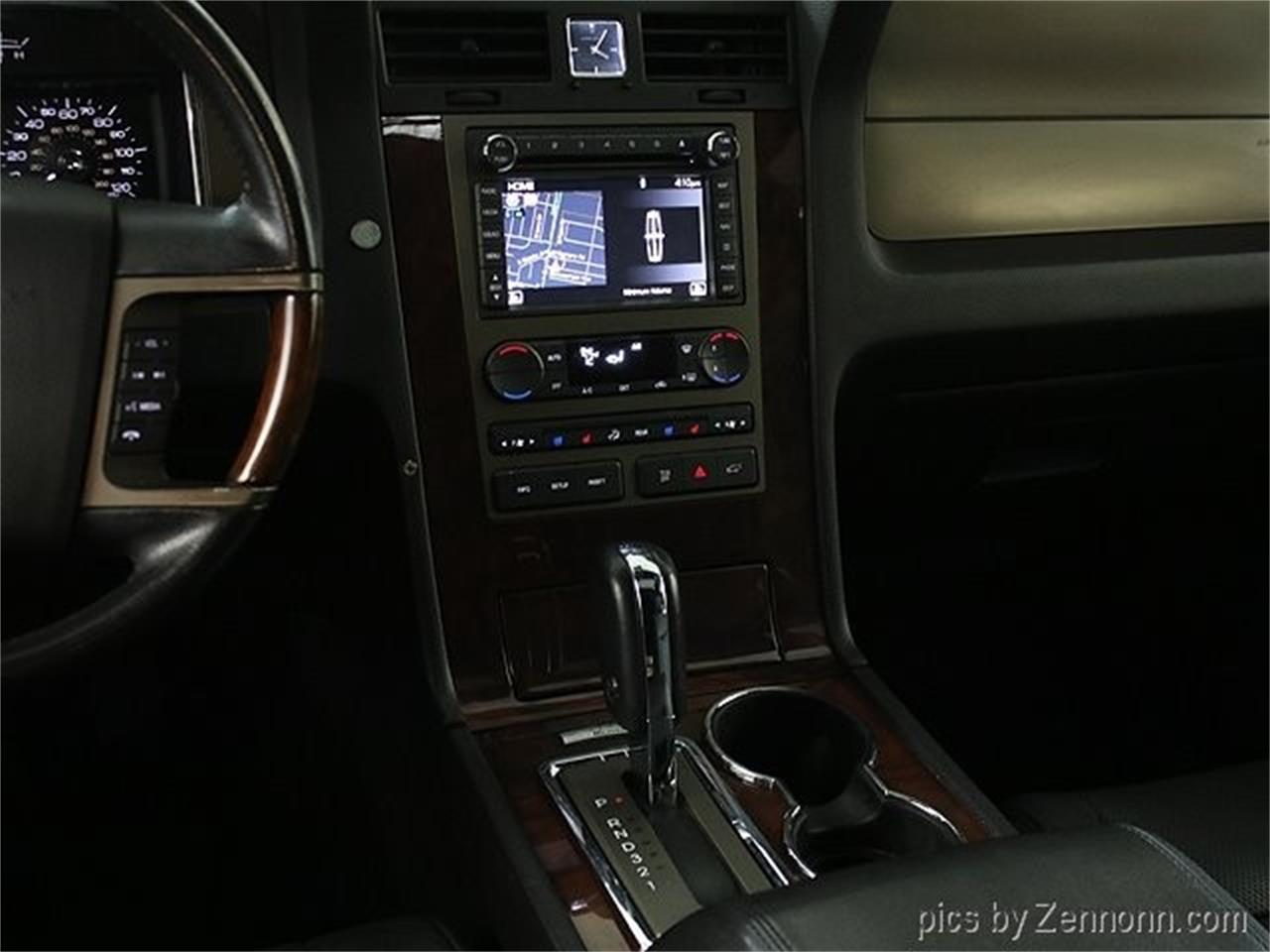 Large Picture of 2012 Lincoln Navigator located in Illinois - $16,990.00 - Q860