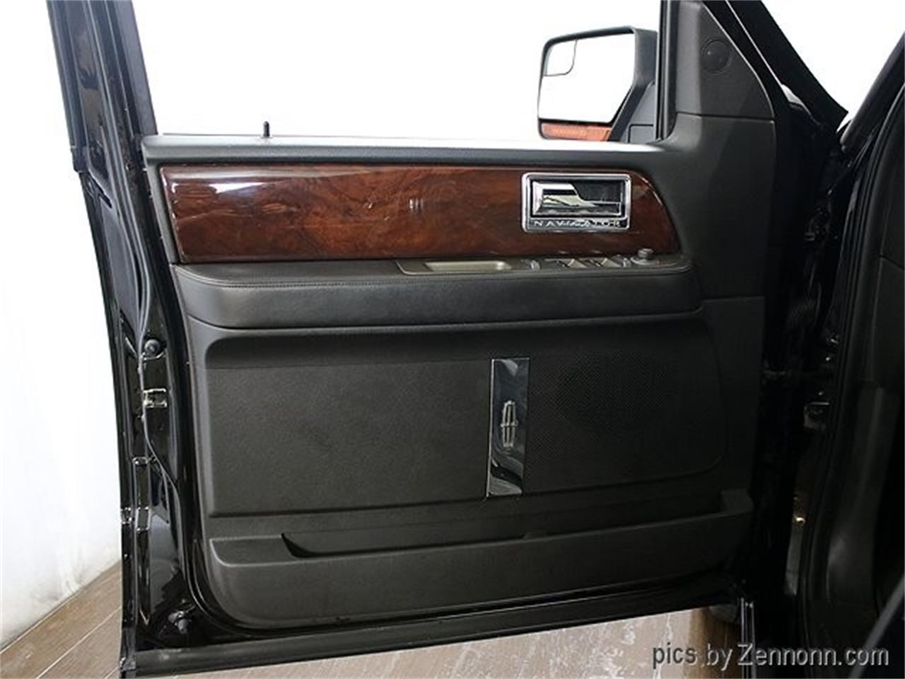 Large Picture of 2012 Lincoln Navigator located in Illinois - Q860