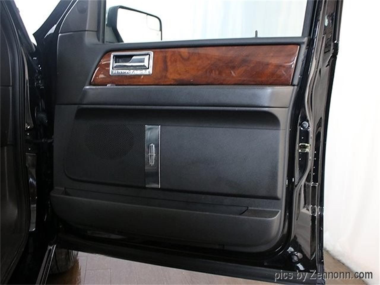 Large Picture of '12 Lincoln Navigator located in Illinois - $16,990.00 - Q860