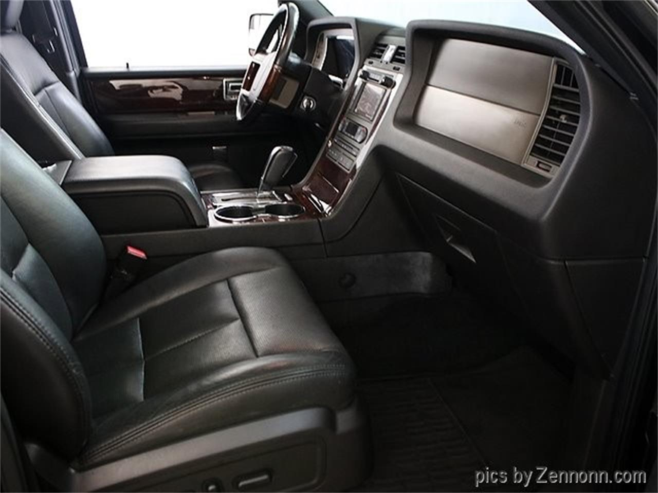 Large Picture of '12 Lincoln Navigator located in Addison Illinois - $16,990.00 - Q860