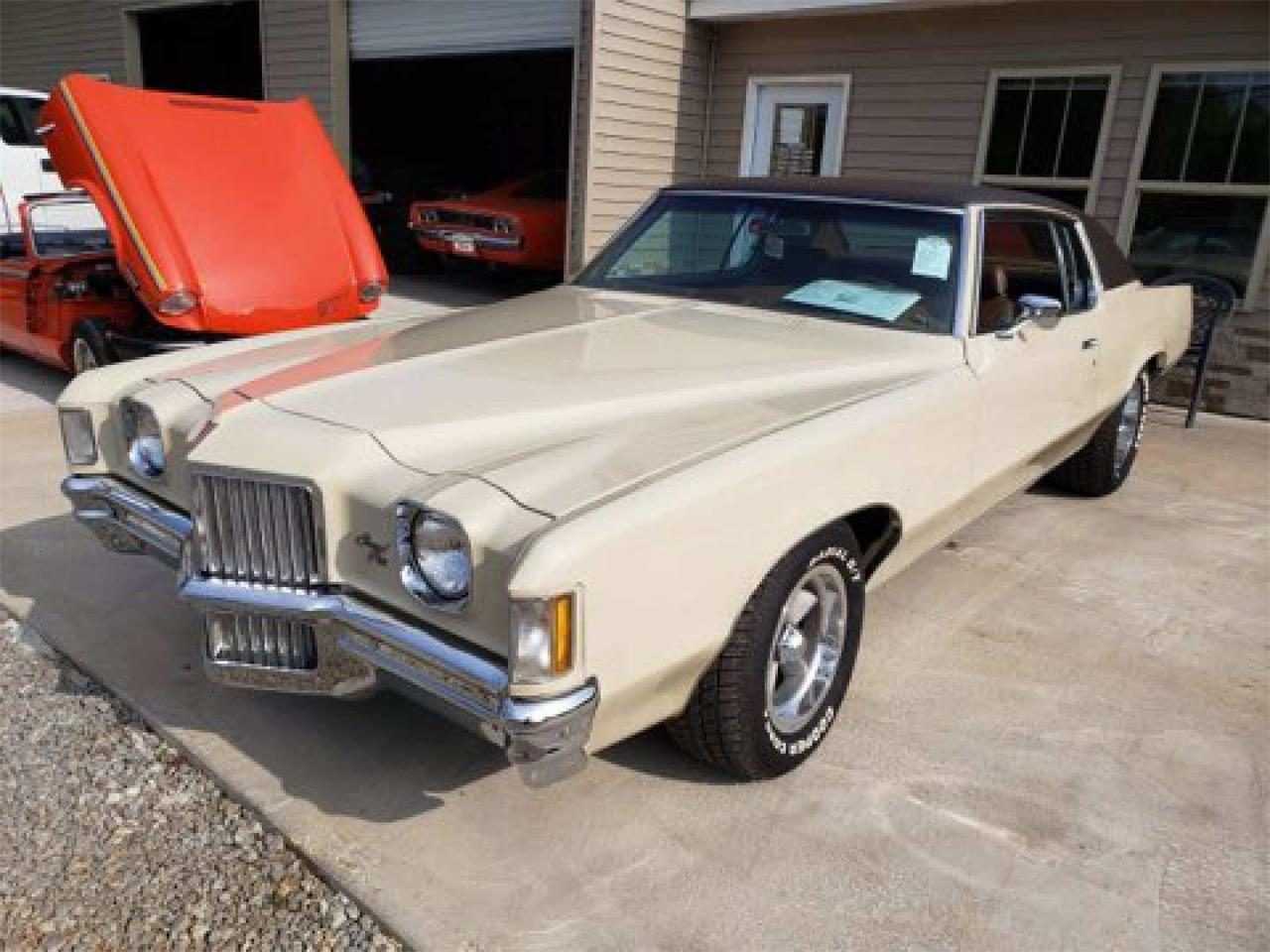 Large Picture of Classic '71 Pontiac Grand Prix located in Harvey Louisiana Auction Vehicle Offered by Vicari Auction - Q89E
