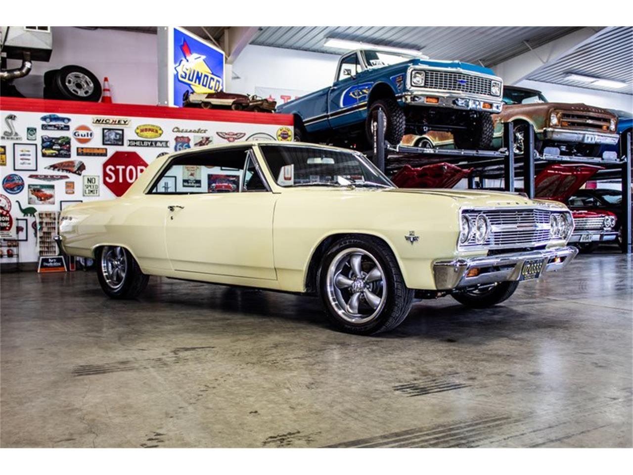 Large Picture of '65 Chevelle - Q89U