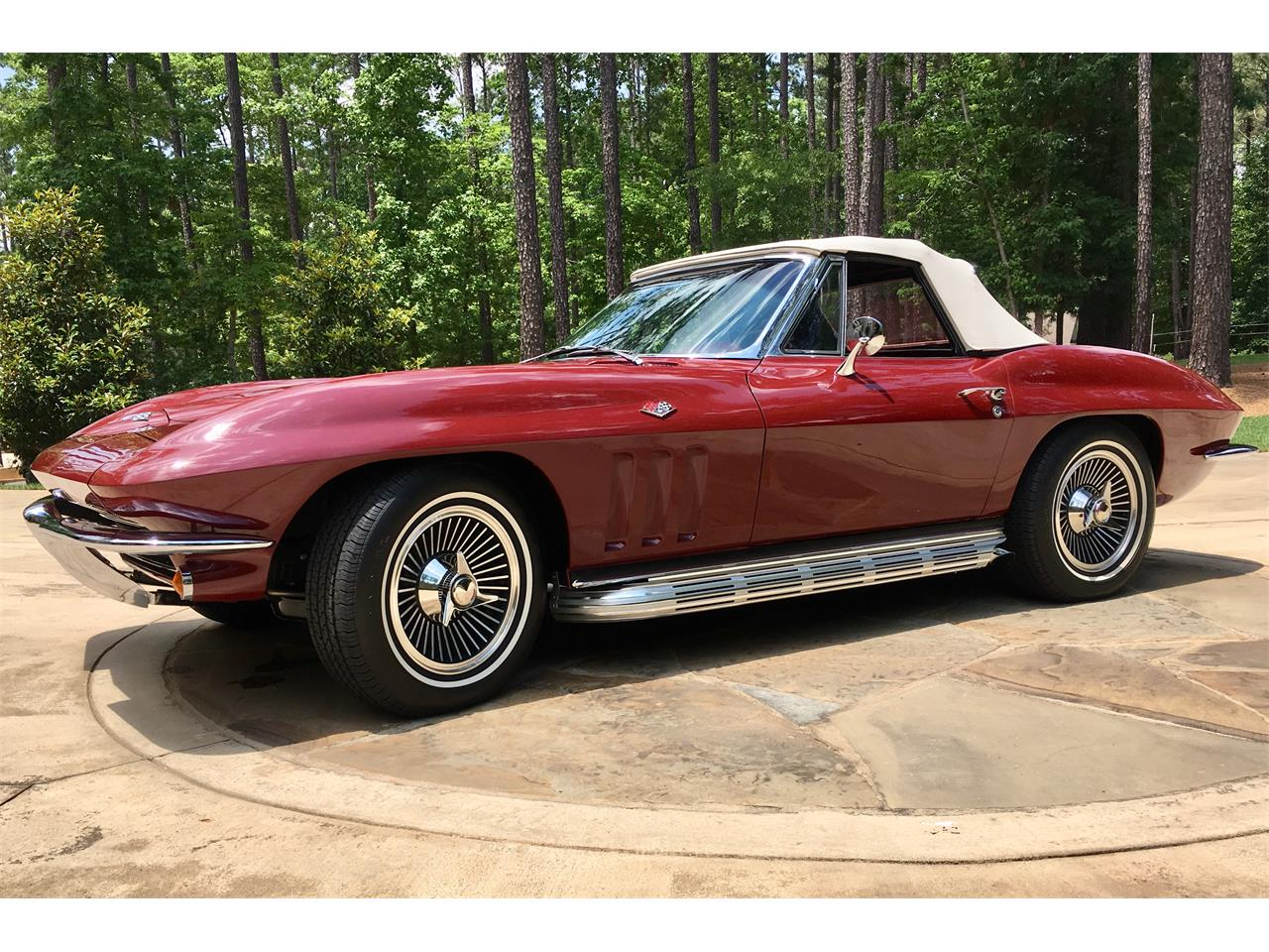 Large Picture of '65 Corvette - Q8B1