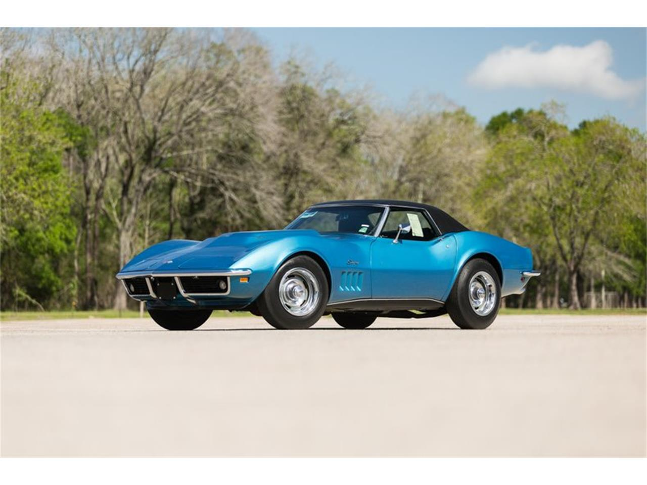 Large Picture of '69 Corvette - Q5NP