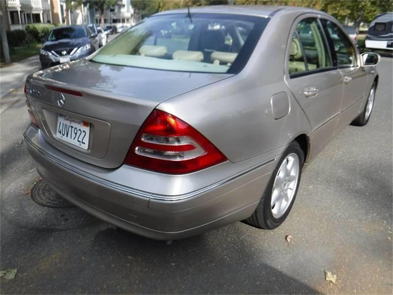 Large Picture of '02 C-Class - Q8DC