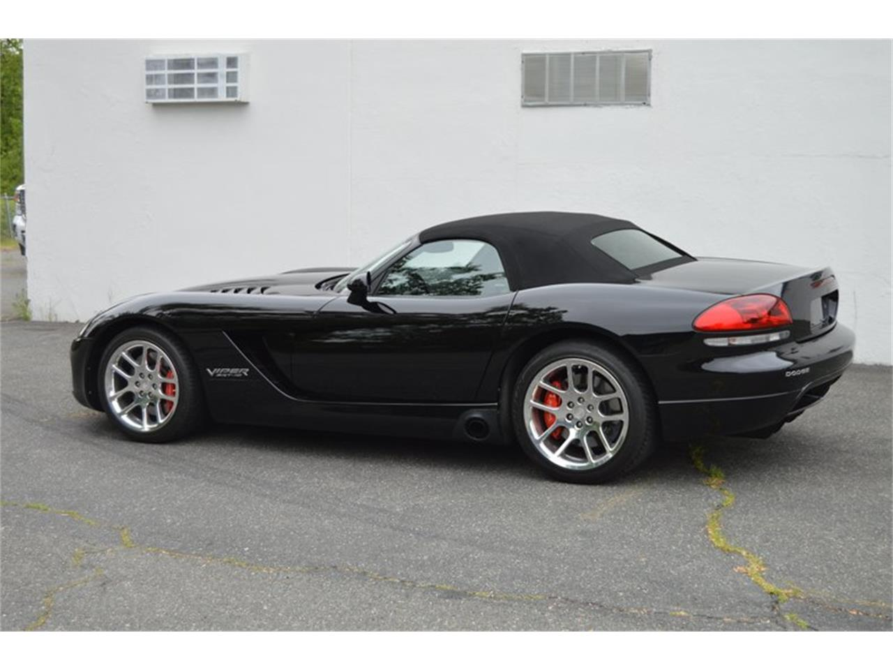 Large Picture of '04 Dodge Viper located in Massachusetts Offered by Mutual Enterprises Inc. - Q8EU